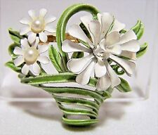 Vintage Painted Enamel Flower Basket Brooch White Daisy Faux Pearl Pin 117dgz