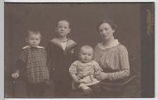 (f66+) foto original para 1900 madre con tres hijos (kabinettfoto)