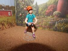 2011 RETIRED SCHLEICH GIRL WITH A CAMERA  #13902 EXCELLENT CONDITION