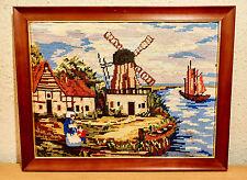 Stickbild,Landschaft,Handarbeit,im Holzbilderrahmen mit Aufhängung.-45 x 35 cm