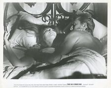 KIRK DOUGLAS THERE WAS A CROOKED MAN... 1970 VINTAGE PHOTO ORIGINAL #4