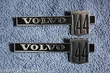 Volvo 144 GL guardabarros emblema Fender badge volver a nos New Old Stock