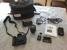Nikon D100 6.1 MP Digital SLR Camera Body Professional EXTRAS BAG CHARGER KIT