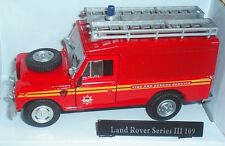 OXFORD CARARAMA LAND ROVER SERIES III 109 FIRE AND RESCUE SERVICE 1:43 SCALE RED