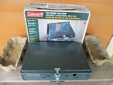 VTG. COLEMAN 2 BURNERS GREEN STOVE MODEL 425 F499 W/ORIGINAL BOX MADE IN USA