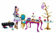Ever After High Hat-Tastic Madeline Hatter Doll and Party Display golden (BJH36)