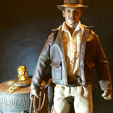 ★★★★ HOT TOYS ★★★★  INDIANA JONES FIGURA