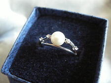 '925' STERLING SILVER PEARL RING