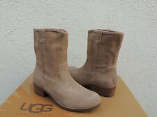 UGG RIONI FAWN SUEDE/ SHEEPSKIN ANKLE BOOTS, WOMENS US 8/ EUR 39 ~NEW