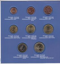 Coins Netherlands euro 2001 set of 8 in original pack error 4 coins in reversed