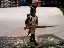 """KING AND COUNTRY   NAPOLEONIC """" IMPERIAL GUARDSMAN WITH RIFLE ADVANCING """"  NA59"""