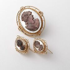 Antique 14K Gold Black and White Mother of Pearl Cameo Brooch/Pendant