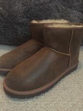 UGG Mini Size 9 NWOB Crackle Distressed