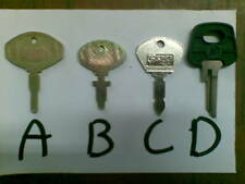 CHIAVE KEY KEYS pezzo n 01 TRATTORE MULETTO TRACTOR
