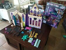 Monster High High School Playset Portable Play Doll House Toy 2011 Mattel Lot