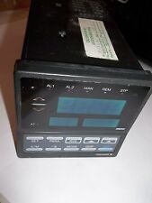 YOKOGAWA UT35-A13301*A DIGITAL INDICATING TEMPERATURE PROCESS CONTROLLER (RR3)