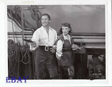Erroll Flynn Maureen O'Hara w/sword VINTAGE Photo Against All Flags