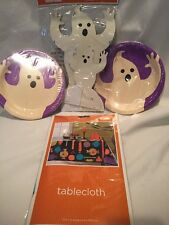 B4) HaLLoWeeN Party Ghost Plates, Centerpieces & Tablecloth NEW IN PACKAGE