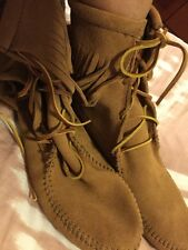 MINNETONKA TRAMPER SUEDE ANKLE BOOT - BROWN - WOMENS 9