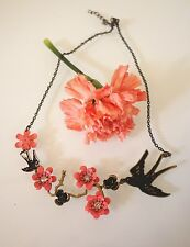 Stylish Bird and Flower Pendant Necklace