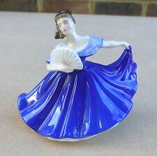 ROYAL DOULTON Porcelain Figurine of a Lady - Elaine HN3214