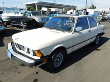 BMW: 3-Series 2dr Sedan 32