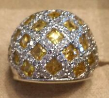 7.60ctw Bella Luce Fancy Yellow and White Diamond Simulant Ring. SIZE 7. NWT.