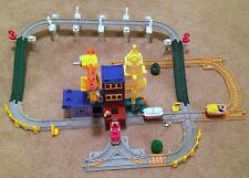 Fisher-Price GeoTrax Big City Lights Center Tracks Risers Trains Sounds RARE!