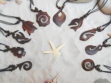 10 nuovi MIX Design Nuovo Marrone i stile simbolico in legno intagliato collane / n083
