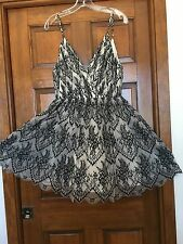 ALICE + OLIVIA Black and White Lace Cocktail Dress size 8