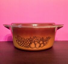PYREX OLD ORCHARD FRUIT 2.5 QUART COVERED CASSEROLE  #476-B