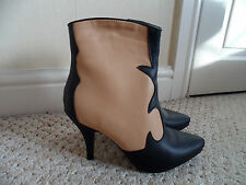 "ASOS - Beautiful  Black & Camel"" Contrast  VINTAGE Design Ankle Boots SIZE 7 NEW"