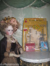 "RARE SET OF VINTAGE ""LITTLE HOMEMAKER"" TOY CLEAN UP SET ON PRESENTATION CARD!"