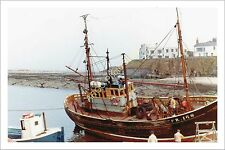 fb032 trawler fishing boat FR168 Providence Seahouses Northumberland 1972 photo
