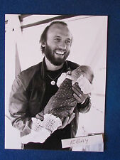 "Original Press Photo - 9.5""x7"" - Maurice Gibb - Bee Gees - 1980 - with daughter"
