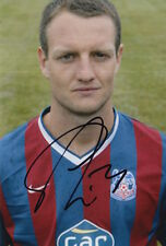 CRYSTAL PALACE HAND SIGNED CLINT HILL 6X4 PHOTO.