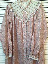 J. C. Penney VINTAGE Women's Sz M Romantic PRAIRIE Robe Nightgown LACE & FLOWERS