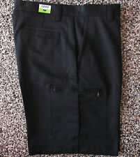 NWT Men's Izod XFG Cargo Golf Shorts  Black   34