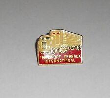 pin's camion / Transport Debeaux International (Livron sur Drome)