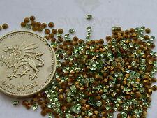 60 x Swarovski 5ss / 12pp Peridot gold-foiled #1012 chatons