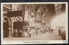London Postcard - Victoria Station Southern Railway 9448