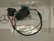 Genuine Mercedes-Benz W164 ML Rear Bulb Holder Socket and Wiring A1648260007 NEW