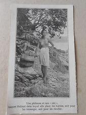 Japon Une Pêcheuse et son Oké baquet flottent pour les Huitres Image Print 1922