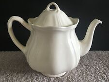 WEDGWOOD Queens Shape Cream TEAPOT