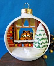Vintage Enesco Ornament 1978 / 81 Garfield Watching the window White Ball