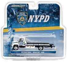 GREENLIGHT 29798 1:64 2013 INTERNATIONAL NYPD DURASTAR 4400 FLATBED TOW TRUCK