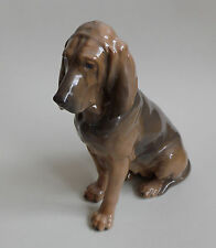Royal Copenhagen. Figure en porcelaine Bloodhound female Lauritz Jensen, XXe
