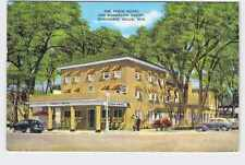 VINTAGE POSTCARD WISCONSIN DELLS FINCH HOTEL AND BUNGALOW COURT EXTERIOR VIEW