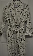 NWT MUSIC NOTE WRAP AROUND FLANNEL ROBE ONE SIZE