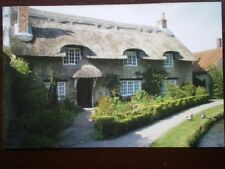 POSTCARD YORKSHIRE THORNTON DALE THATCHED COTTAGE